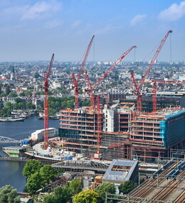 ODE to Amsterdam – seven WOLFF cranes in operation on the Oosterdokseiland peninsula
