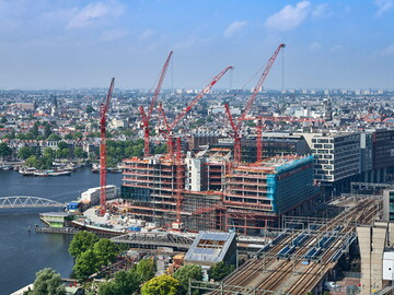 ODE to Amsterdam – seven WOLFF cranes on the Oosterdokseiland peninsula
